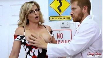 Secretária chata e gostosa violada por médico