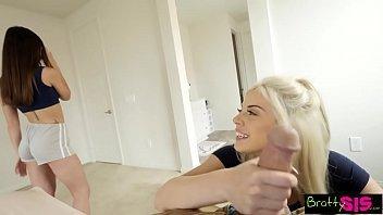 Videis de sexo fudendo as duas irmãs