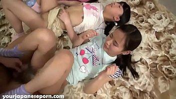 Sexo real pai comendo as filhas novinhas