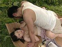 Porno japonês padrasto fudendo enteada no pique nique
