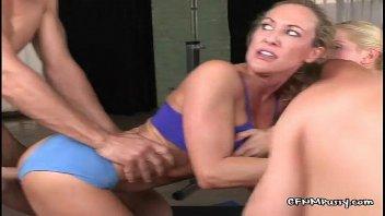 Instrutor de academia em xxx porno com as gostosas