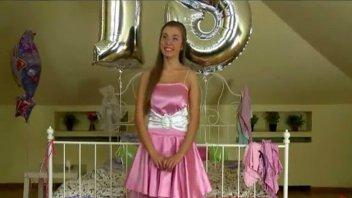 4tube novinha estuprada no aniversário de 18