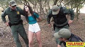 Xvídeos novinha estuprada no mato pelo policial