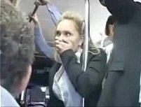 Xporno loirinha violada em público no ônibus
