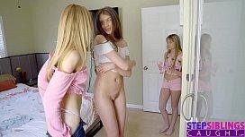 Lesbicas hot .: irmãs se pegando online