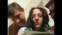 Flagras na net irmão estuprando irmã no sofá