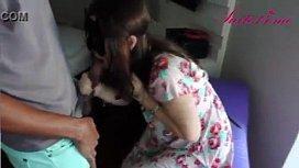 Brasileirinha casada mamando moleque do bairro
