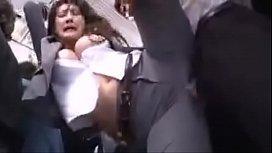 Xvifeos de estupro público japonesa violada no metro