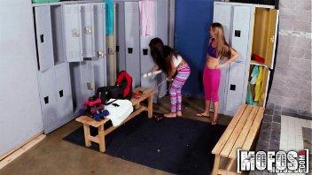 Sexo com meninas safadas dentro da faculdade