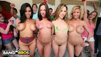 Suruba na faculdade com atrizes pornô gostosas