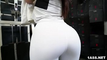 Porno academia com a gostosa de calça coladinha