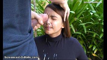 Sexo explicito tarado enchendo a cara da novinha de porra