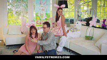 Red tub filha metendo pelas costas dos pais no aniversário