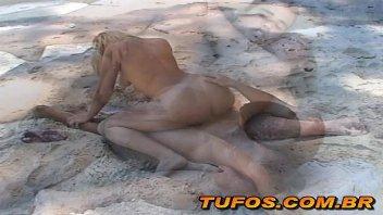 Morena vadia brasilporn fazendo sexo na praia