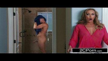 Quente loira em filmes caseiros porno metendo com o enteado