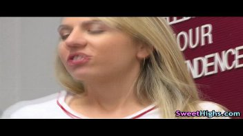 Loira colegial em videos gratis de sexo com seu professor
