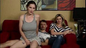 Molly Jane fodendo com o papai na frente da mamãe inocente